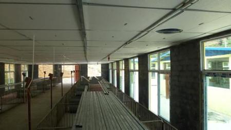不同阶段猪舍的门窗 、出入口的建设规格大小是多少