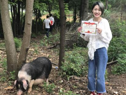 潮人新玩法 牧牧宁乡花猪成90后最潮宠物