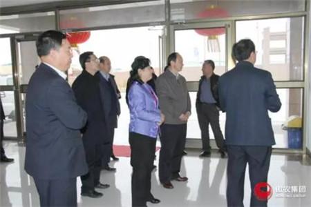 甘肃省科技厅副厅长朱晓力一行莅临甘肃傲农调研科技创新工作