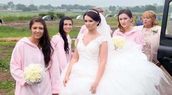 英国新郎花12万办猪主题婚礼50头猪令新娘崩溃!