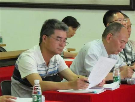为加快人才的培养和选拔,进一步优化任职管理人员队伍结构,公司于9月4-5日开展了中层管理干部竞聘大会。
