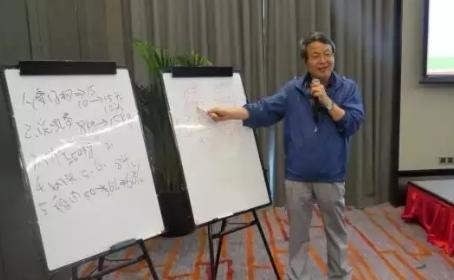 """洪平先生新观点:优秀养猪成绩的四个""""3"""""""