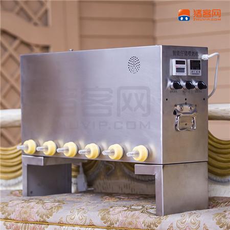 10月10日,由猪客网研制的第十代智能仔猪喂奶机全新上市。该产品上市一年来,已经经过9次升级换代,至今销量已过万台。