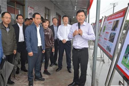内江市市长任晓春率队参观德康家庭农场