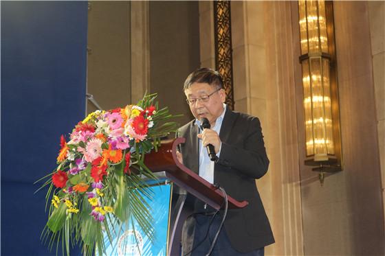 浙江省特级专家、浙江省农业科学院研究员徐子伟教授