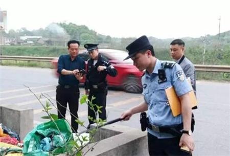 注意!这个属于违法行为,猪场司机非法倾倒输精瓶输精管被抓!