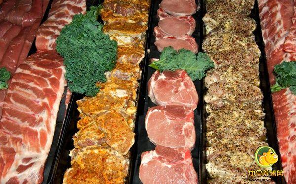1、市场上正常的新鲜排骨价格一般是16-20元一斤,可突然你发现市场很多冷冻出售的排骨价格却比新鲜的排骨要低很多,这是为什么呢?难道这是不安全的猪肉?