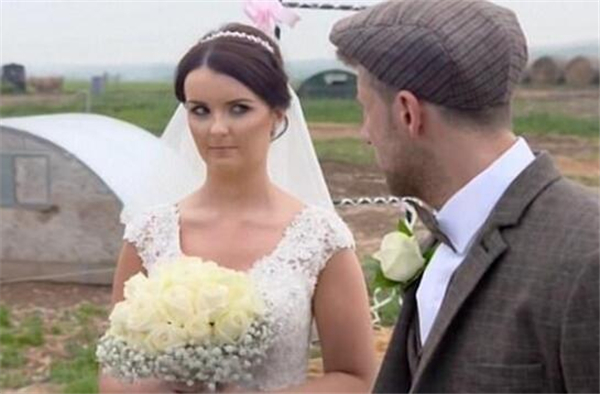 养猪农场举办婚礼,英国人可真会玩