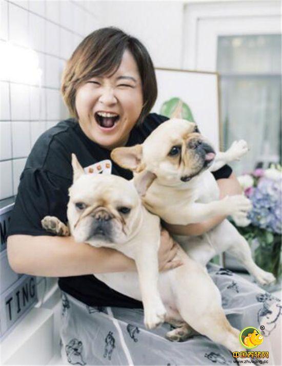 """贾玲收到粉丝送的""""母猪饲料"""",网友建议:这个粉丝就不要了吧!"""