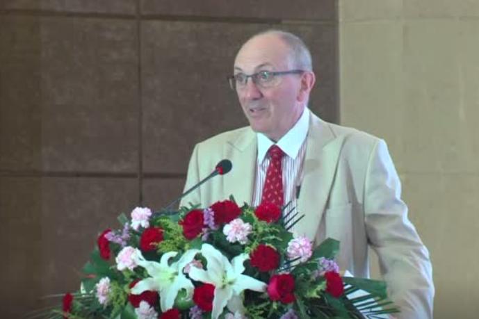 英国出口协会总监克瑞斯.杰克逊发表关于防治猪病讲话