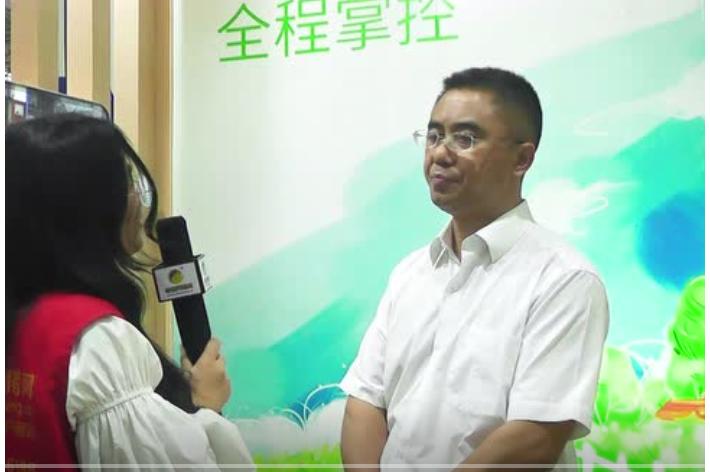 铁骑力士陈希文在中国养猪网记者的采访下倾情分享经验
