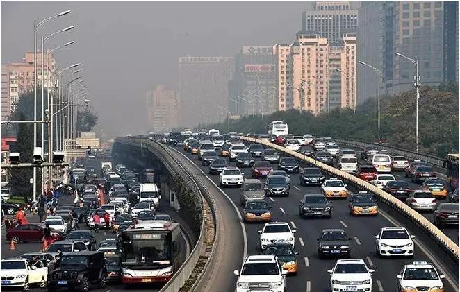 """北京""""史上最严限行""""背后,清理百万辆外地车只是第一枪?"""