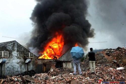 福建南安市一工厂发生火灾,导致4死3伤